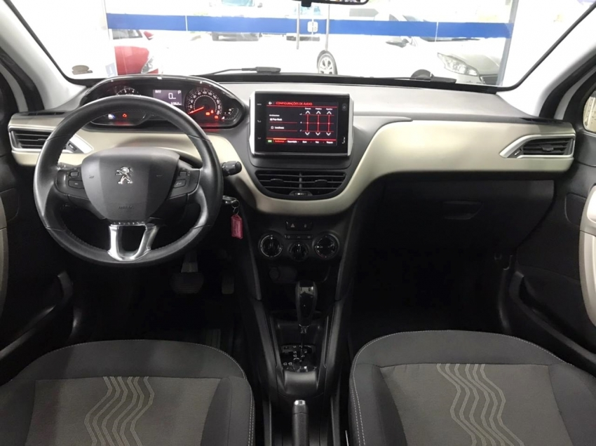 Peugeot 2008 ALLURE 1.6 AT 2017/2018 Automático